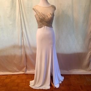 NWT Jovani gown crystals and pearls